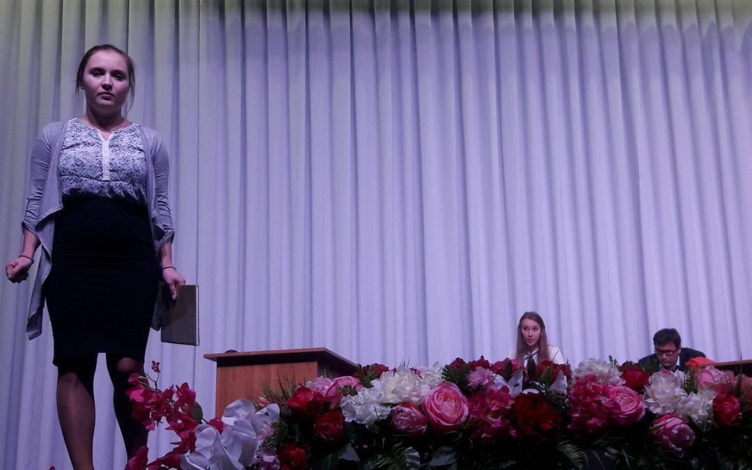 """""""…Sein!"""" – hauptstädtisches Theater und Club der deutschen Jugend in Karaganda."""