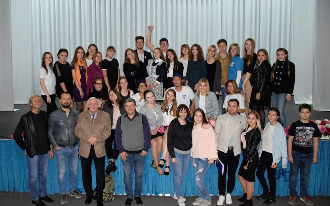 «…Быть!» — столичный театр клуба  немецкой молодежи в Караганде