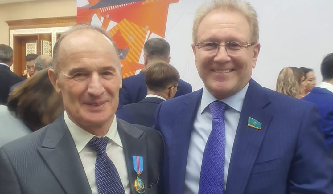 Виктор Тиль награждён орденом «ОТАН»