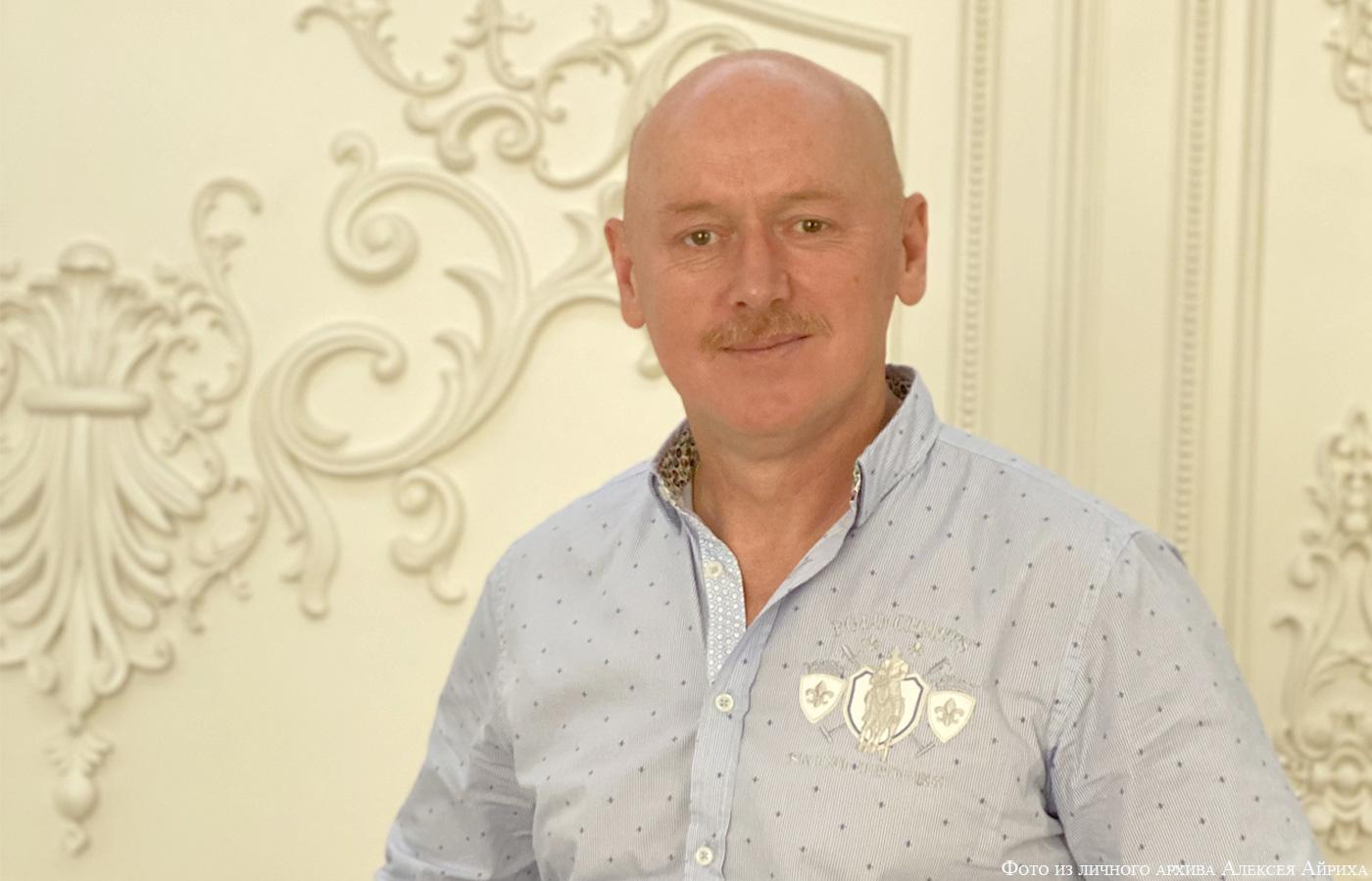 """Alexej Airikh, Inhaber des Betriebes für Gipsstuck """"Dekorgips"""""""